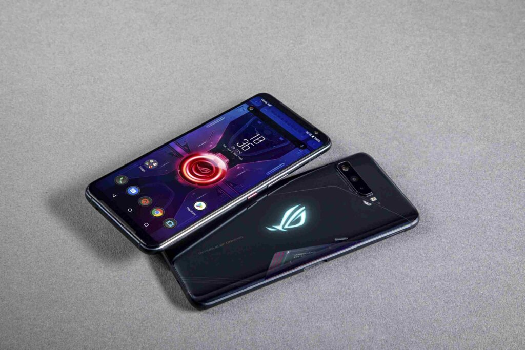 Front and back of ASUS ROG Phone 3