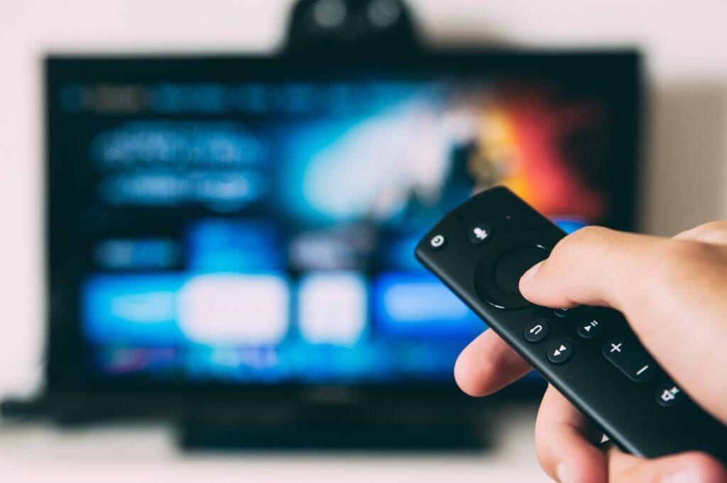 Remote controlling a smart TV