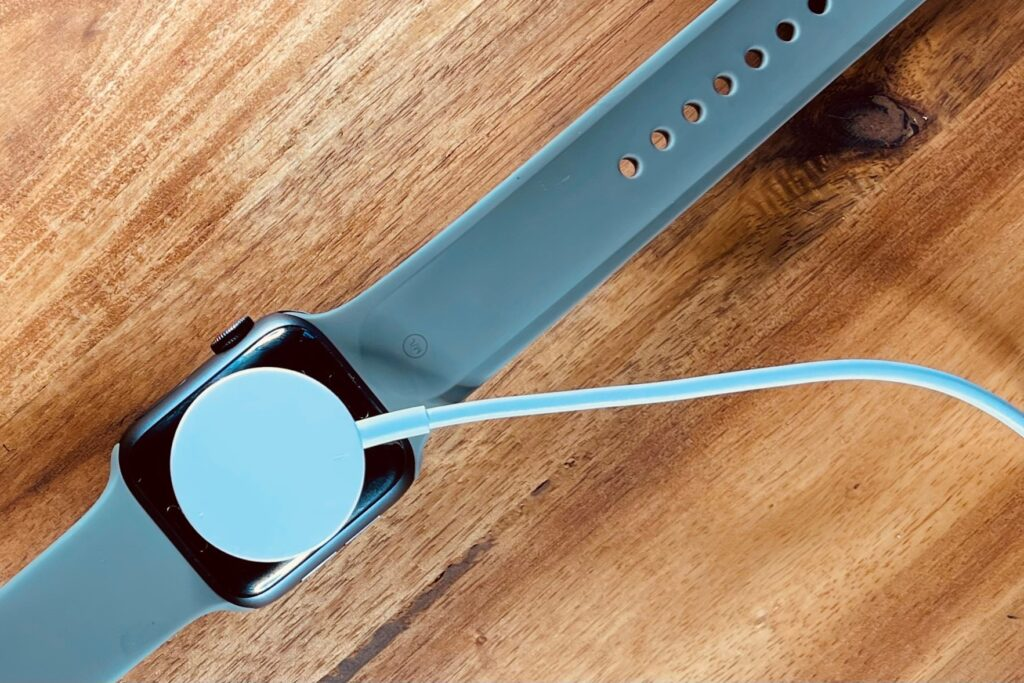 The Apple Watch SE magnetic USB-A charger
