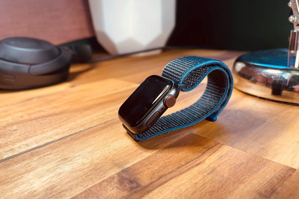 Apple Watch SE Review: Design