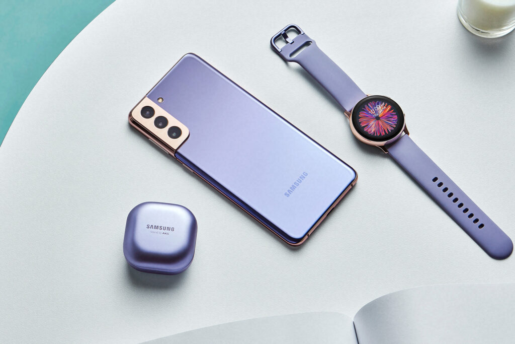 Samsung Galaxy S21 Violet with Galaxy Watch and Live Buds