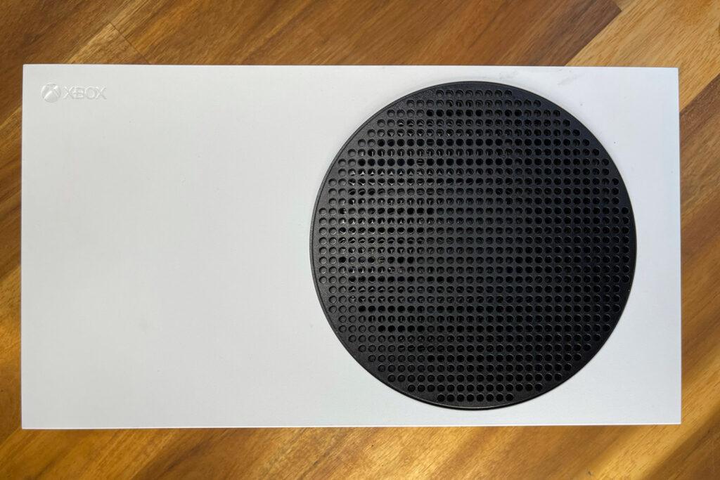 Xbox Series S Flat lay
